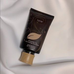 Tarte Amazonian clay full coverage foundation